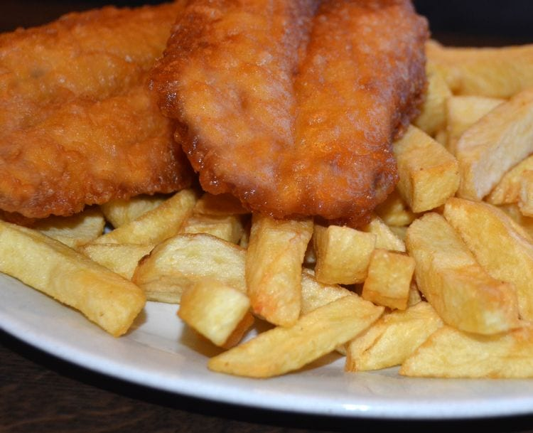 Melly's Cafe Killybegs | Traditional Fish and Chips